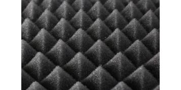 Czym są i kiedy warto zastosować piramidki akustyczne?